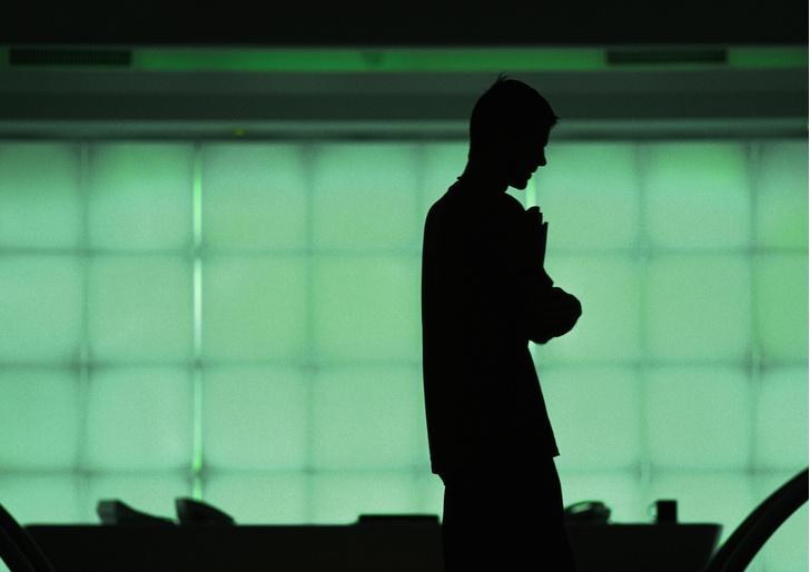 Фото №1 - Более 60% россиян работают в выходные и по ночам