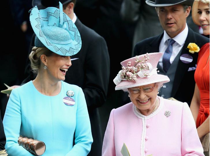 Фото №1 - «Вторая дочь Ее Величества»: графиня Софи и ее особые отношения с Королевой
