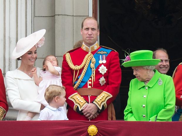 Фото №2 - Законы Короны: почему Джордж, Шарлотта и Луи могли остаться без титулов