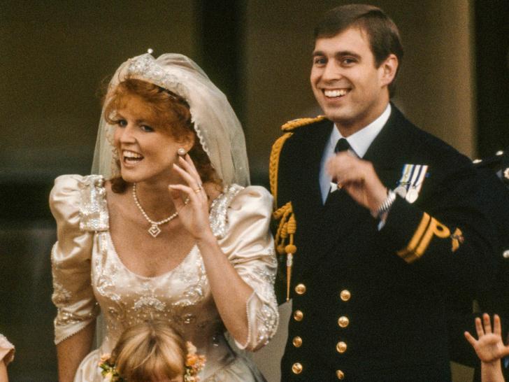 Фото №1 - Старый титул и новые обязанности: что получит Сара Фергюсон, если снова выйдет замуж за принца Эндрю