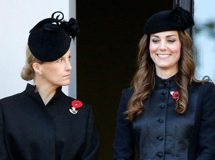 Фото №2 - Спорный момент: единственное недоразумение между Софи Уэссекской и Кейт