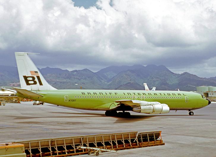 Фото №4 - Цвета в небе: зачем, как и в какие цвета красят самолеты