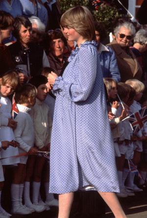 Фото №3 - Четвертая беременность или реверанс Диане: что хотела сказать Кейт своим нарядом