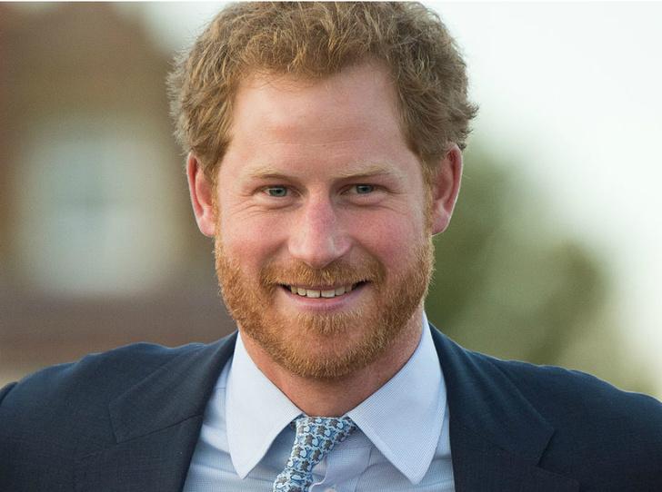 Фото №1 - Почему принц Гарри не мог говорить о смерти матери с семьей