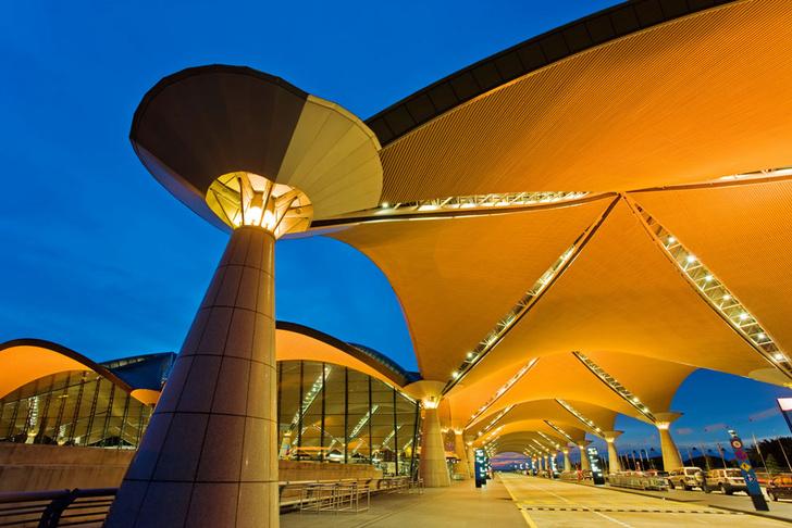 Фото №4 - Полет фантазии: 10 удивительных аэропортов мира