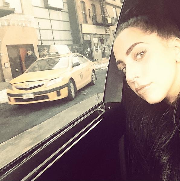 Фото №19 - Звездный Instagram: Селфи в машине