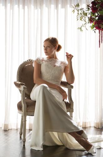 Фото №10 - Концепция дизайна свадебного платья Меган Маркл меняется в угоду Королеве