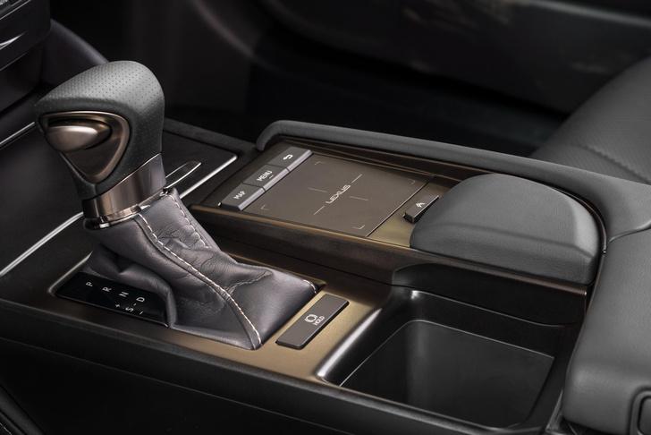 Фото №5 - Пять причин полюбить Lexus ES350