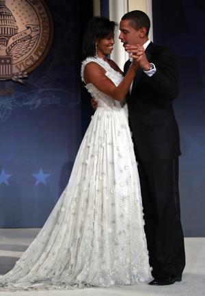 Фото №22 - Королевы Белого дома: самые роскошные инаугурационные платья Первых леди