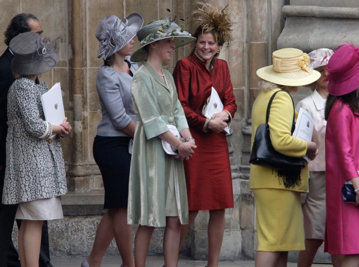 Фото №8 - Свадебный королевский этикет: что можно и чего нельзя делать на бракосочетании Гарри и Меган