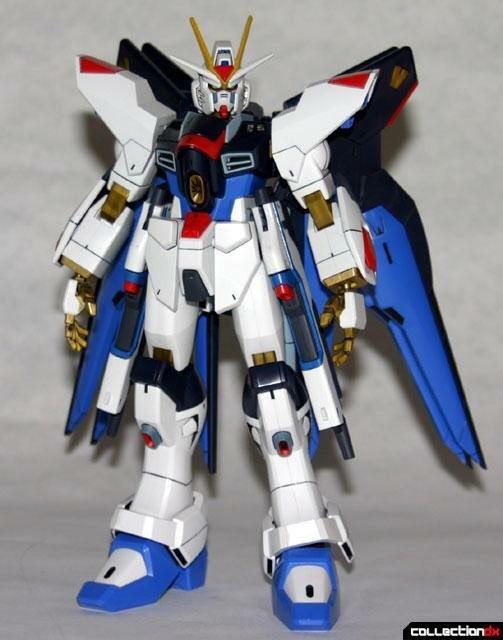 Фото №1 - В Японии создали огромного боевого человекоподобного робота как из аниме. И он может двигаться (видео)