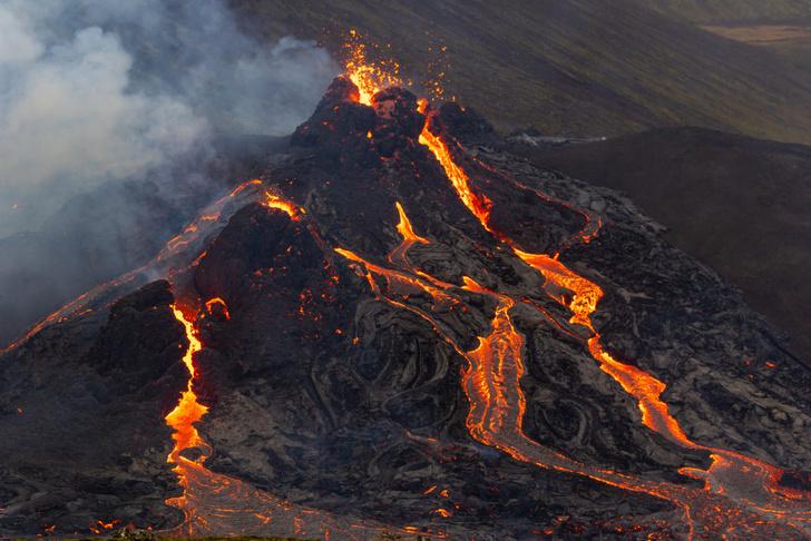 Фото №1 - Извержение