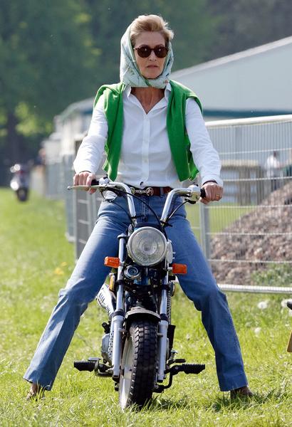 Фото №2 - Извозчица и антипод королевы: кем была молодая фаворитка принца Филиппа