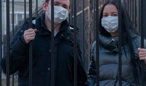 Фото №1 - Все ушли на карантин. Поликлиники Петербурга осваивают новый формат работы