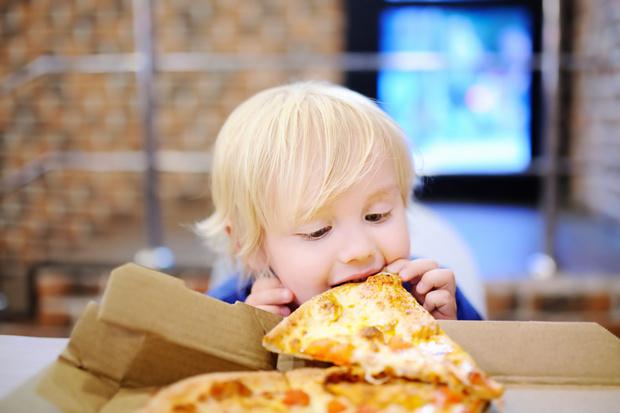 Фото №2 - Ребенок съел песок: чем это грозит и что делать