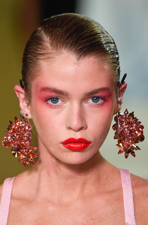 Фото №10 - New pink: 5 трендов «розового» макияжа, которые хочется повторить