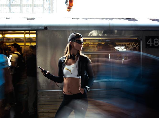 Фото №5 - Блеск золота в новой капсульной женской коллекции Puma