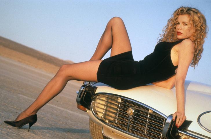 Ким Бейсингер фото 1992 год