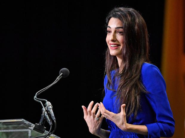 Фото №2 - Амаль Клуни: правозащитница, инфлюенсер, икона стиля