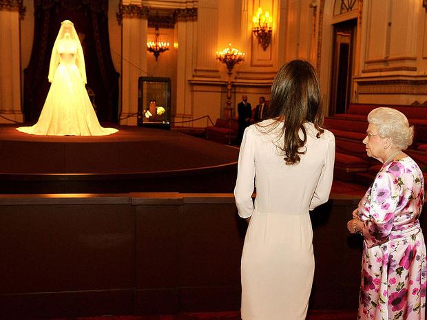 Фото №8 - 10 любопытных фактов о свадебном платье герцогини Кейт