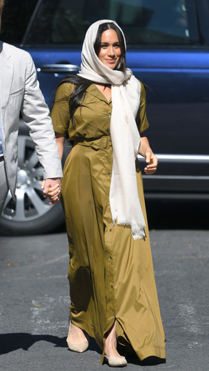 Фото №12 - Неидеальная Меган: модные провалы герцогини Сассекской