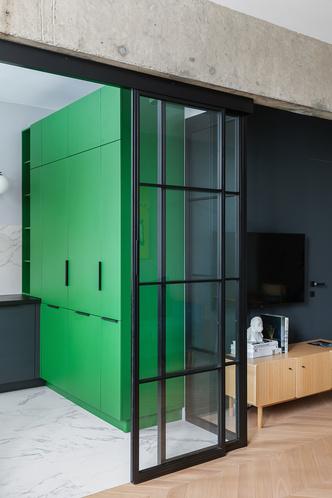 Фото №7 - Color Blocking: яркая квартира 63 м² в сталинке