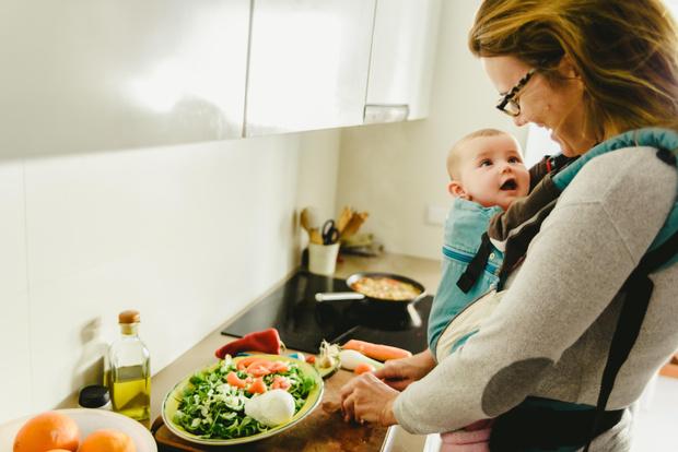 Фото №1 - Как питаться кормящей маме?