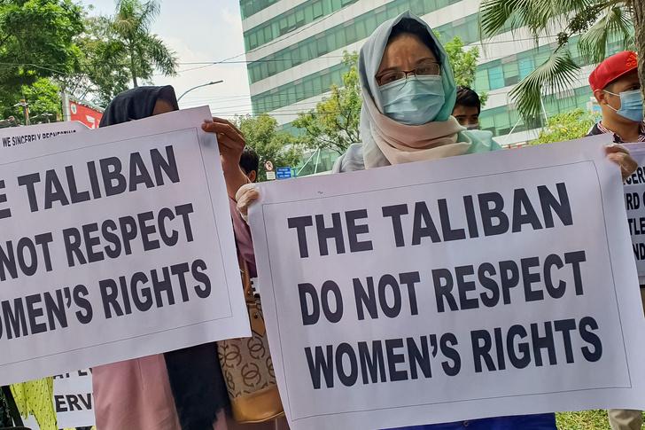 Фото №4 - Охота на ведьм: в Афганистане начались расправы над женщинами легкого поведения