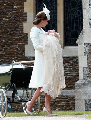 Фото №1 - Принцесса Диана «навестила» внучку