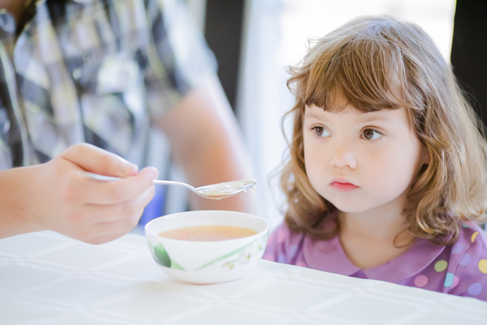 Why does a child eat poorly and how to help him