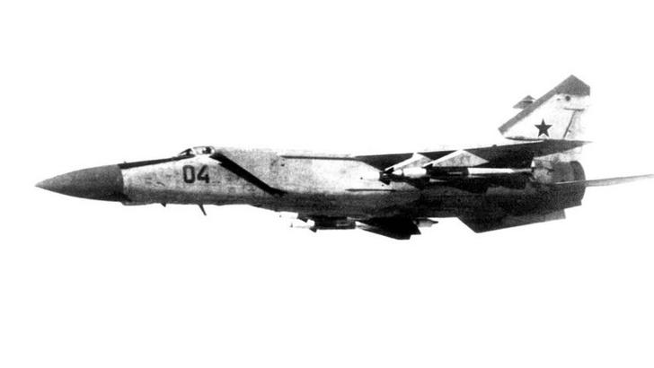 Фото №3 - Как советский летчик подарил США секретный самолет-перехватчик: история самого громкого авиаугона времен холодной войны