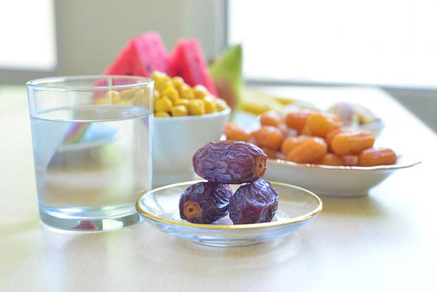 Фото №1 - Популярные диеты могут продлить жизнь, но ослабить иммунитет