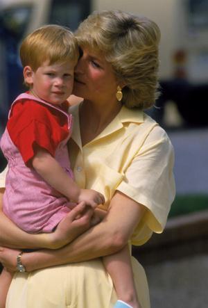 Фото №5 - Холодная жестокость: чем Чарльз обидел Диану после рождения младшего сына
