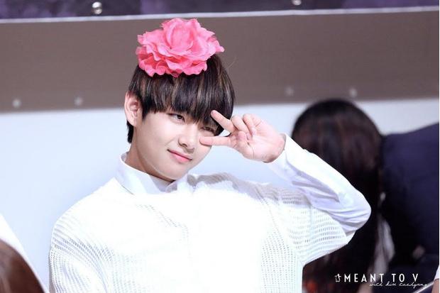 Фото №12 - Как изменился Ким Тэхён: много-много фоток Ви из BTS 😍