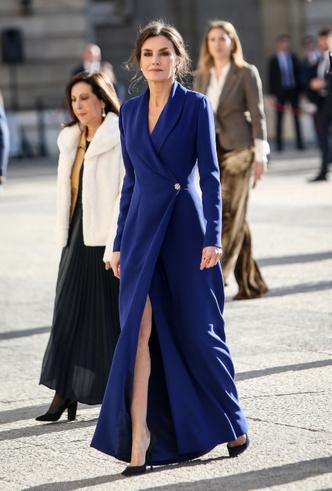 Фото №11 - Королевская палитра: как монаршие особы носят синий цвет