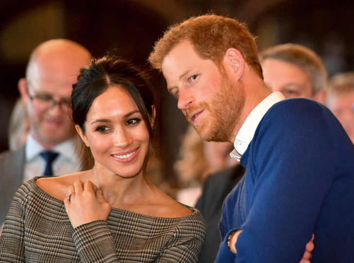 Фото №2 - Почему канадцы не рады визиту принца Гарри и герцогини Меган