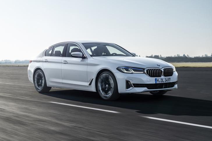 Фото №1 - BMW рассекретила обновленную «пятерку»