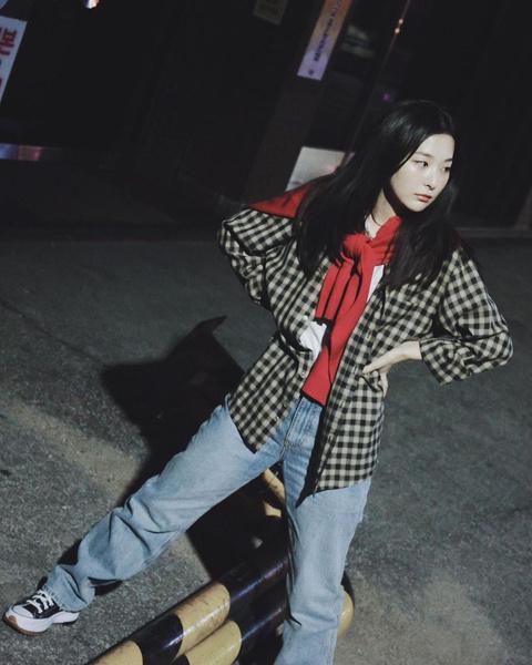Фото №7 - 10 стильных аутфитов от Сыльги из Red Velvet для этой весны