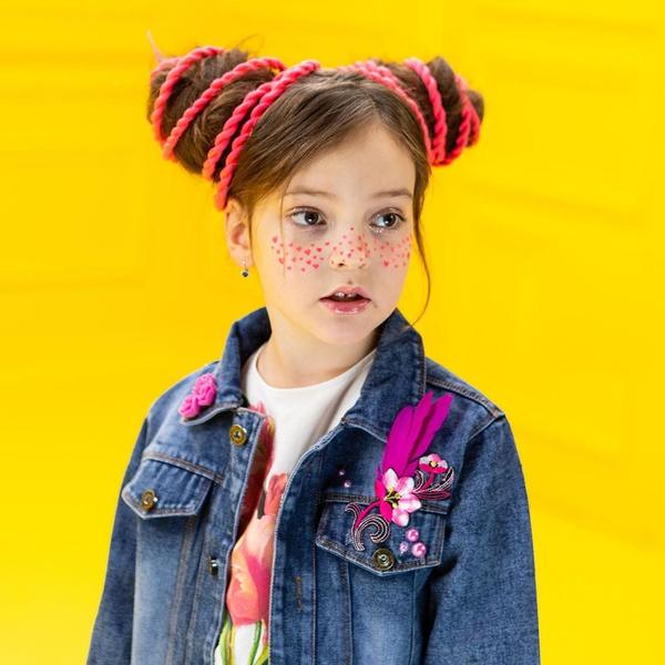 Фото №2 - 8-летняя Алла-Виктория Киркорова одевается не менее ярко и экстравагантно, чем ее знаменитый папа