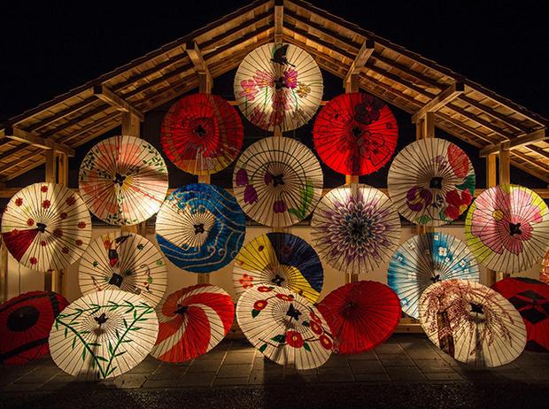Фото №21 - Волшебные флаконы: чем пахнет Новый год в разных странах