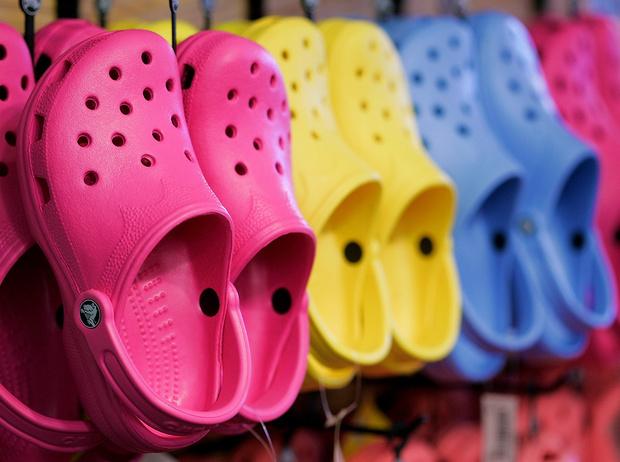 Фото №1 - Красота не главное: как и почему кроксы стали самой модной обувью