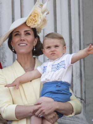 Фото №12 - Общий гардероб: 10 раз, когда Джордж, Шарлотта и Луи носили одежду друг друга