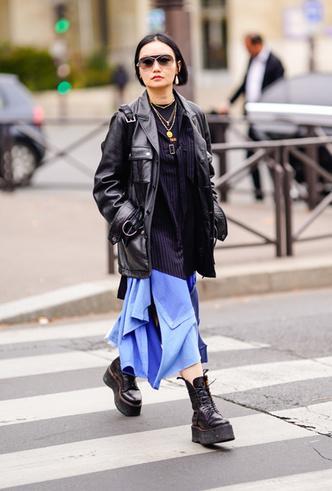 Фото №7 - Резкие и дерзкие: как носить грубые ботинки в разных стилях