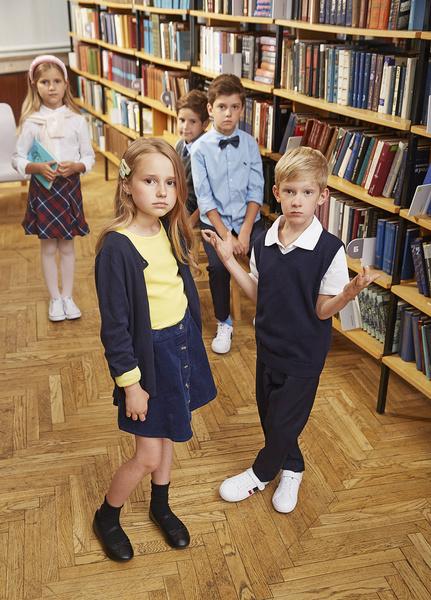 Фото №6 - Прийти в форму: как подобрать школьный образ, который понравится и маме, и директору, и ребенку