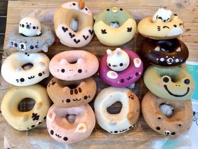 Фото №8 - Тест: Выбери пончик, и мы скажем, на кого из звезд ты похожа больше всего