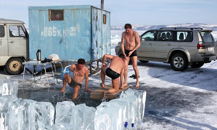 Фото №1 - Финский журналист назвал странные ритуалы в российских банях