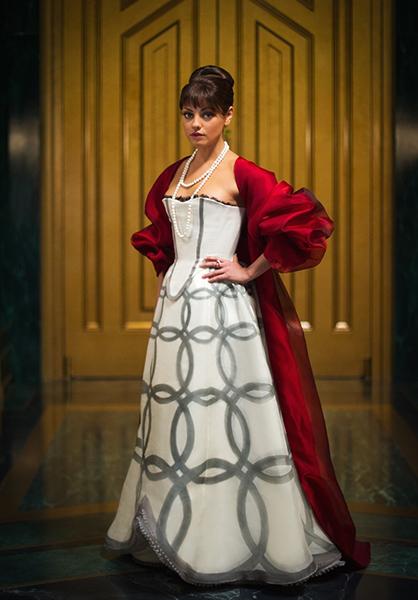 Фото №23 - Сказочная мода: 50 волшебных нарядов из фильмов нереальной красоты