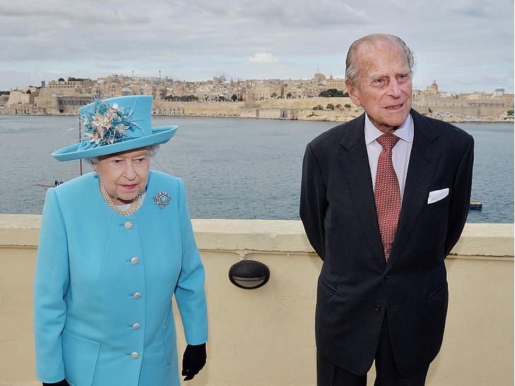 Фото №11 - 10 самых впечатляющих королевских туров Елизаветы, которые вошли в историю