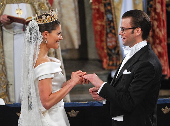 Фото №43 - Самые трогательные моменты королевских свадеб (о Гарри и Меган мы тоже не забыли)