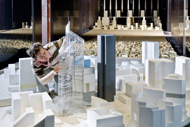 Фото №2 - Пятиэтажки против небоскребов: откуда дует ветер